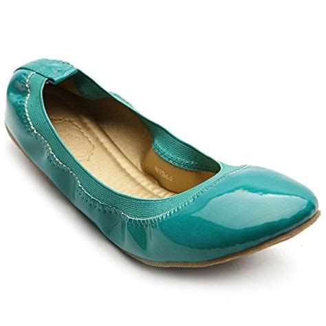 Comfortable Stylish Shoes For Travel by Comfortable Travel Shoes For Webnuggetz