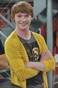 And Ally Dez Calum Worthy Dez Images Dez Hd Wallpaper And Background