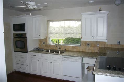 kitchen cabinets naples fl refacing kitchen cabinets in naples fl vanity refacing naples fl