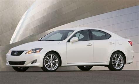 2010 lexus sedans toyota recalls 245 000 lexus sedans in u s 1 7 million
