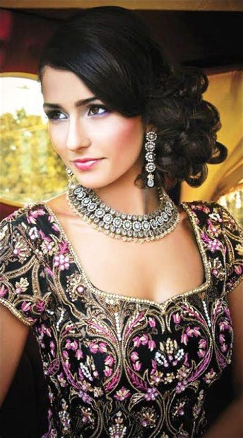 Bridal Side Hairstyles by Hindu Bridal Hairstyles 14 Safe Hairdos For The Modern