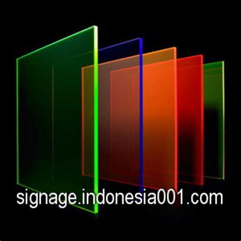 Papan Nama Meja Akrilik Acrylic 5mm Grafir signage indonesia meja akrilik