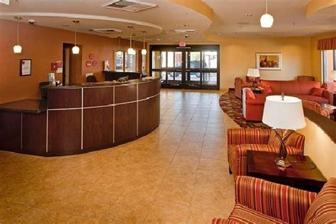 comfort inn blythe comfort suites hotel 700 w donlon st in blythe ca