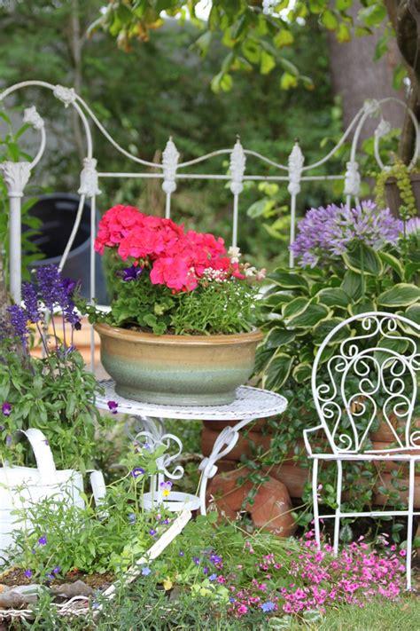 front yard potted plants pin by jeanne scottie on gardening ideas
