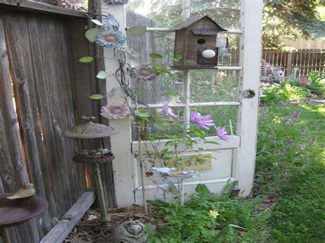 Repurposed Garden Decor Unique Garden Decor Repurposed Junk For The Garden Repurposed Door Garden Decor Garden Ideas