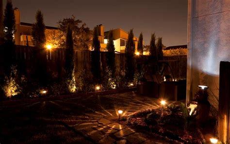 illuminazione per piante illuminazione esterna giardino lade da giardino