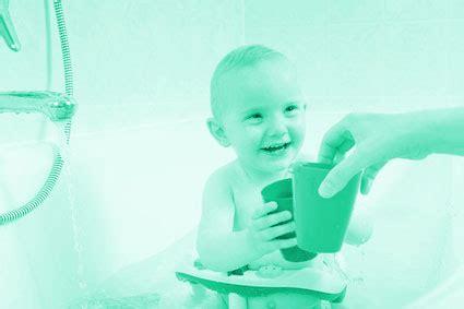 Sitz Badewanne Baby by Badewannensitz F 252 R Babys Badewannen Einstiegshilfe Test De