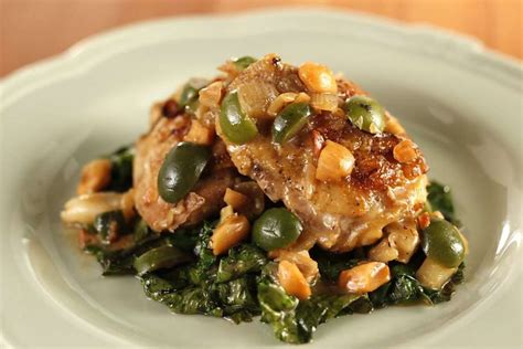 Link Chicken With Almonds And Green Olives by The Secret Of Barbacco S Chicken Sfgate