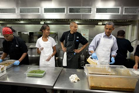white house family kitchen the first family pays tribute to 9 11 victims by joining a
