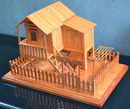 membuat rumah dari stik es krim sederhana miniatur rumah kung umah dusun dari stik es krim