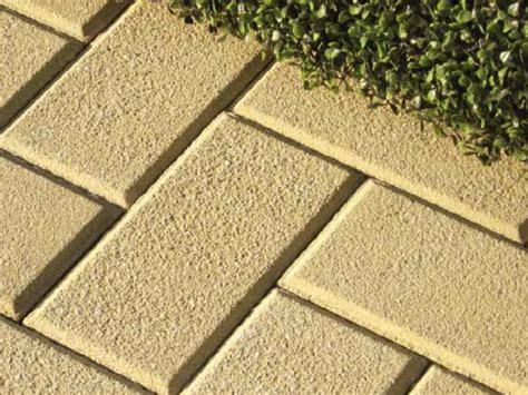 pavimenti per cortili pavimenti per cortili esterni il prezzo varia anche in