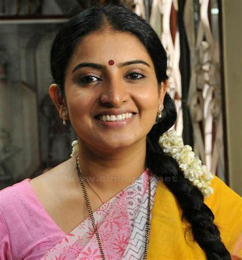 actress of salary malayalam serial actresses salary list