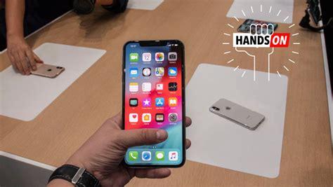 apple iphone xs max hands    big
