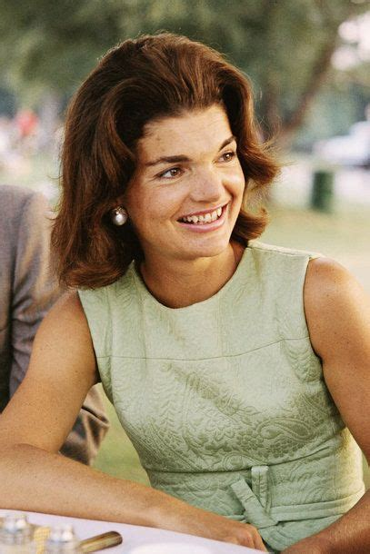 jackie kennedy bouffant 149 best images about jackie on pinterest jfk in india