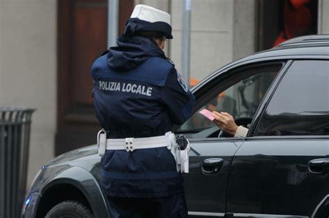 ufficio multe roma cancellavano multe in cambio di regali condannati