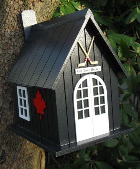 Salvaged Wood Birdhouse Designs Adding Beautiful Yard