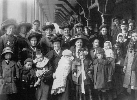 immigrants  leur arrivee au port de quebec