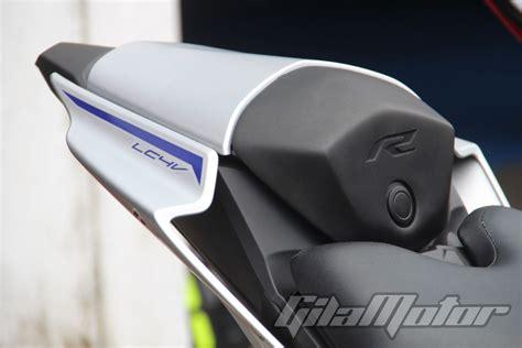 Single Seat R15 New Vva yamaha sediakan aksesoris buat all new r15 gilamotor