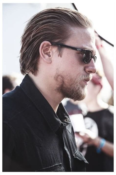 charlie hunnam on hair maintenance something so hot about slicked back hair scruff