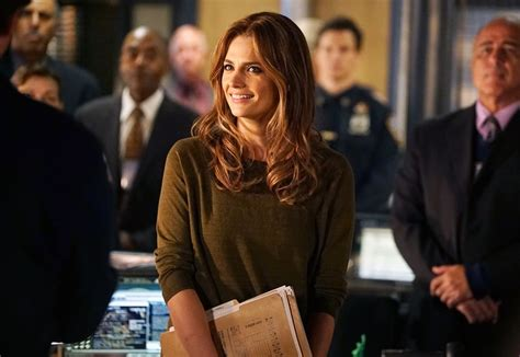 castle season 8 spoilers stana katic reveals marin castle s season 8 switch up showrunners weigh in on