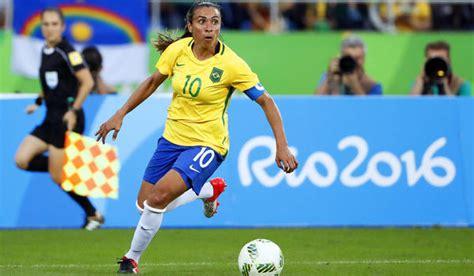 olympics soccer 2016 olympics s soccer brazil players give