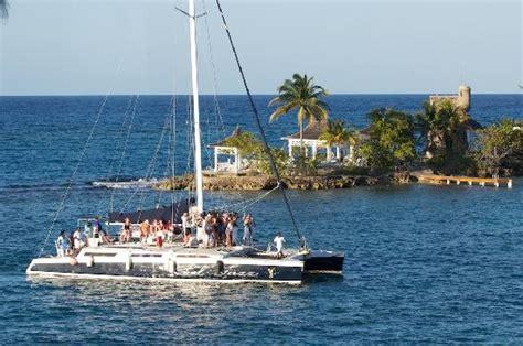 catamaran cruise couples tower isle catamaran booze cruise photo de couples tower isle ocho