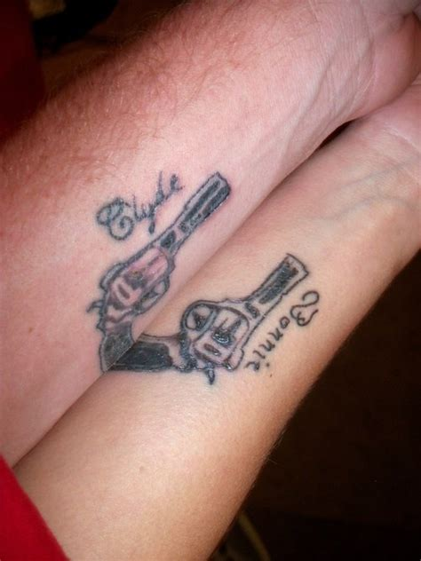 bonnie and clyde tattoo 25 best ideas about bonnie and clyde bodies on