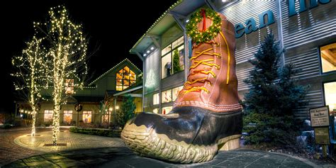 ll bean northern lights freeport maine usa meappropriatestyle