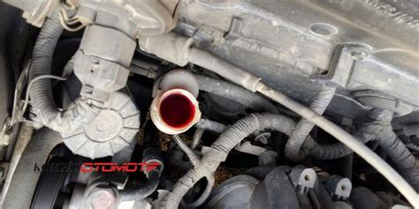 Minyak Kopling Mobil kenali gejala minyak kopling bocor kompas