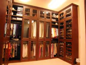 custom closet ideas and features