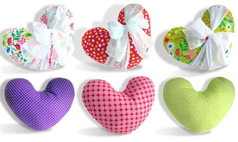 pattern for heart shaped pillow box o chocolates heart pillows sew4home