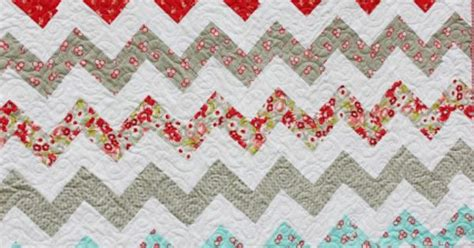zig zag quilt pattern triangles beingbrook zig zag quilt without triangles girl bedroom