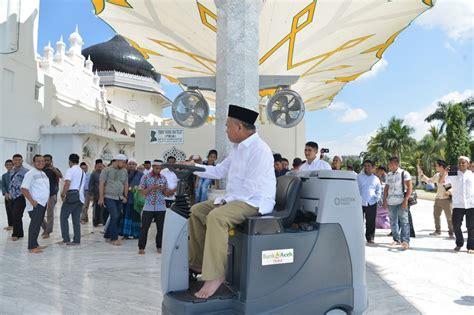 canggih  masjid raya baiturrahman banda aceh