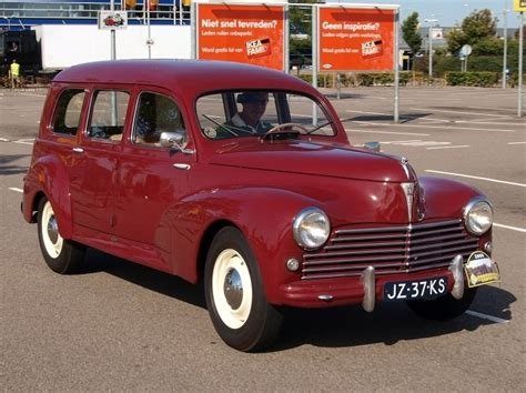 classic and vintage cars peugeot 203