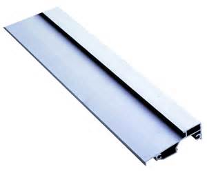 seuil aluminium pour menuiserie alu ou pvc 224 recouvrement
