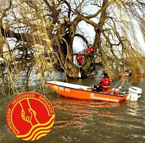 junior vaarbewijs oefening hoog water de nijmeegse reddingbrigade