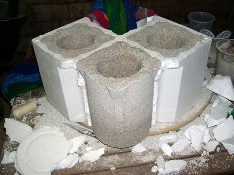 projects mold concrete pots in scrap styrofoam