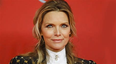 michelle pfieffer biography net worth quotes wiki michelle pfeiffer net worth celebrity biography profile