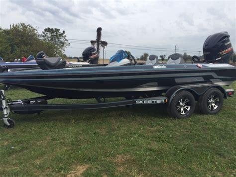 boats for sale in lancaster ky 2017 skeeter zx200 19 foot 2017 skeeter zx boat in