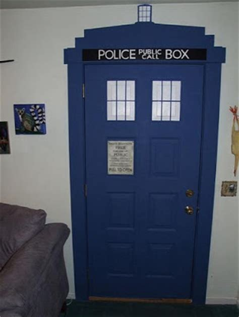 i painted my bedroom tardis blue that nolen chick build your own tardis a space blogyssey