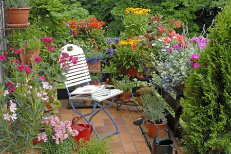 appartment garden apartment balcony garden ideas photograph apartment balcon