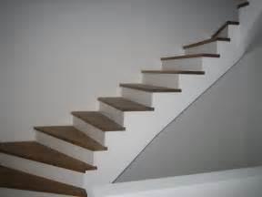 treppe gefliest treppe obacht