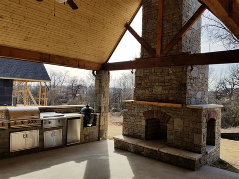 3 types of outdoor kitchens features and benefits of the major types of outdoor living patio materials