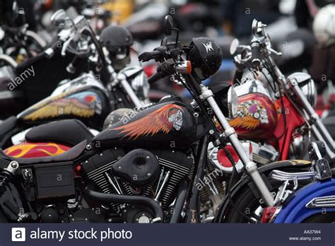 Hells Angels Motorrad by Hells Angels Funeral Motorcycle Club Members At Funeral