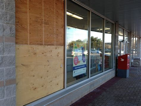 Money Mart Kitchener by Kitchener Store Robbed In Early Morning Smash And
