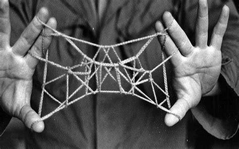 String Shapes - particolare di una immagine tratta dal volume murphy s
