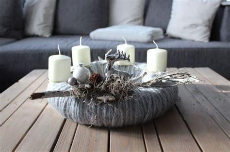 Adventskranz Edelstahl Dekorieren by Aw84 Adventskranz Aus Wolle Dekoriert Mit Nat 252 Rlichen