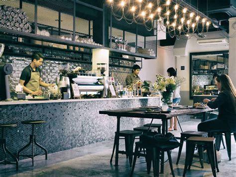 heartland cafes  singapore  coffee closer  home