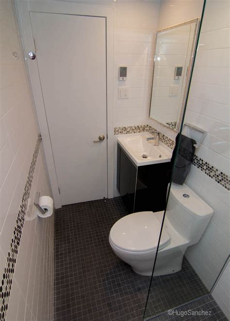 small basement bathroom small bathroom design c 233 ramiques hugo sanchez inc