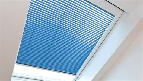 Dachfenster Jalousie by Dachfenster Rollo Plissee F 252 R Dachfenster Dachfenster